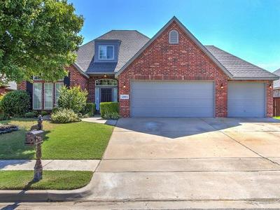 Jenks Single Family Home For Sale: 12011 S Sycamore Street