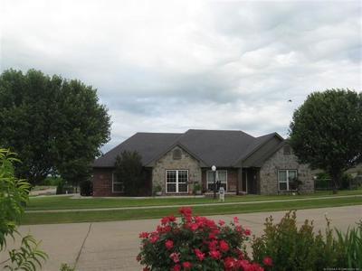 Skiatook Single Family Home For Sale: 1208 S Mockingbird Court