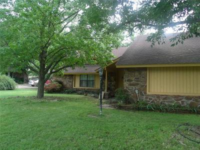 Claremore Single Family Home For Sale: 10832 E Dogwood Court