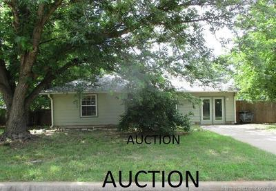 Sand Springs Single Family Home For Sale: 704 W 46th Place