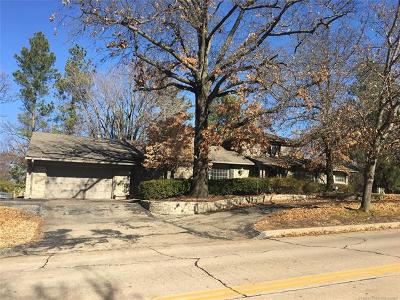 Tulsa Single Family Home For Sale: 2221 Forest Boulevard