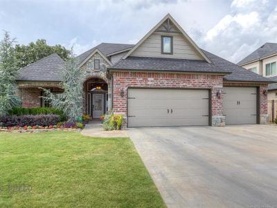 Sand Springs Single Family Home For Sale: 519 W 38th Place