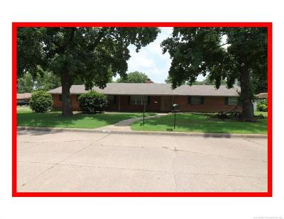 Bartlesville Single Family Home For Sale: 1412 Grandview Road