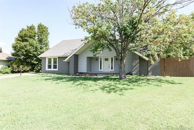 Broken Arrow Single Family Home For Sale: 2500 W Iola Street