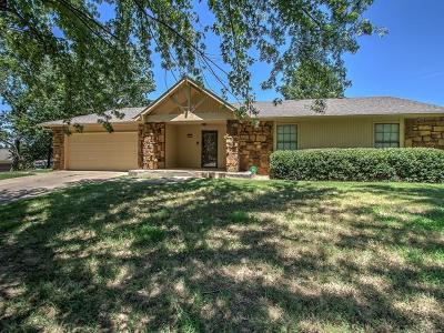 Broken Arrow Single Family Home For Sale: 23575 Lamb Terrace