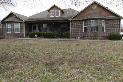 Claremore Single Family Home For Sale: 25640 Briar Drive