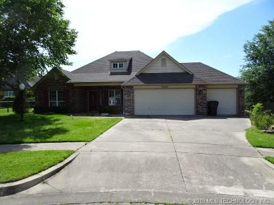 Owasso Single Family Home For Sale: 10302 N 141st East Court