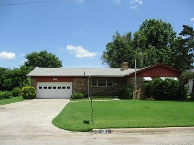 Skiatook Single Family Home For Sale: 1207 S Russell Street