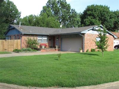Muskogee Single Family Home For Sale: 338 N Crabtree Road