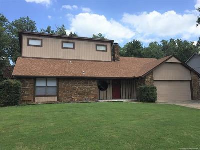 Broken Arrow Single Family Home For Sale: 301 S Dogwood Avenue