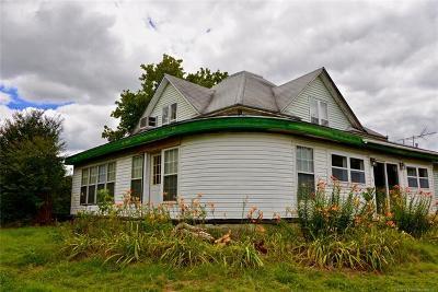 Henryetta Single Family Home For Sale: 29225 Dustin Road