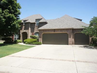Tulsa Single Family Home For Sale: 9325 S Winston Avenue