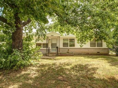 Sapulpa Single Family Home For Sale: 1965 S Independence Street