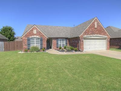 Owasso Single Family Home For Sale: 10202 N 115th East Avenue