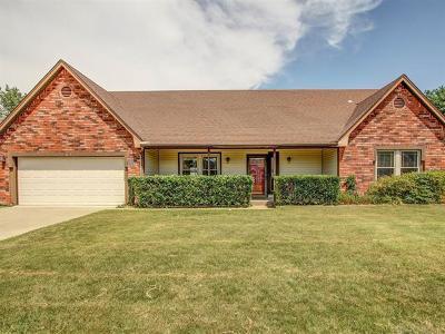 Broken Arrow Single Family Home For Sale: 3713 S Dogwood Avenue