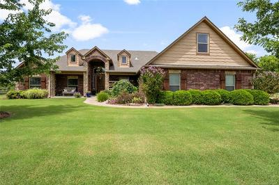 Claremore Single Family Home For Sale: 5195 E Hickory Bluff Drive