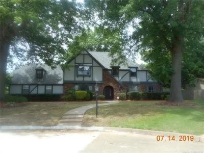 Muskogee Single Family Home For Sale: 2602 Camelot Court
