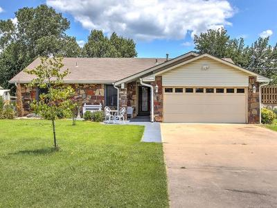 Claremore Single Family Home For Sale: 25925 S Clayton Avenue
