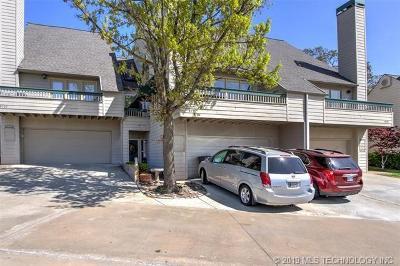 Tulsa Condo/Townhouse For Sale: 5711 E 72nd Place #3