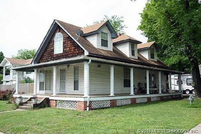 Sapulpa Single Family Home For Sale: 124 N Division Street