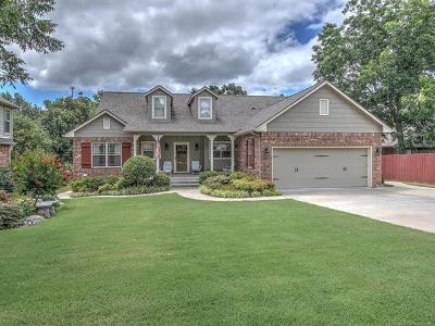 Creek County Single Family Home For Sale: 226 Castle Creek Drive