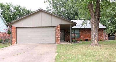 Broken Arrow Single Family Home For Sale: 1205 S 30th Street