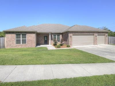 Bartlesville Single Family Home For Sale: 905 Lariat Drive