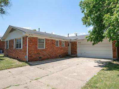Tulsa Single Family Home For Sale: 2172 S 75th East Avenue