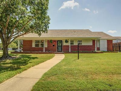 Tulsa Single Family Home For Sale: 3229 S 82nd East Avenue