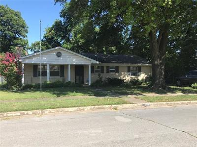 Rogers County, Mayes County, Tulsa County Rental For Rent: 7219 S 70th East Avenue