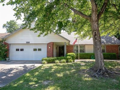 Broken Arrow Single Family Home For Sale: 1209 S Walnut Avenue