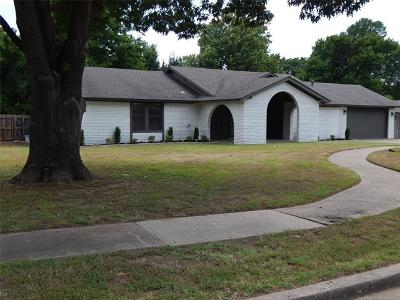 Owasso Single Family Home For Sale: 106 E 24th Court