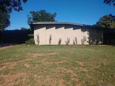 Tulsa Single Family Home For Sale: 4217 S Darlington Place
