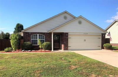 Single Family Home For Sale: 25955 E 90th Street S