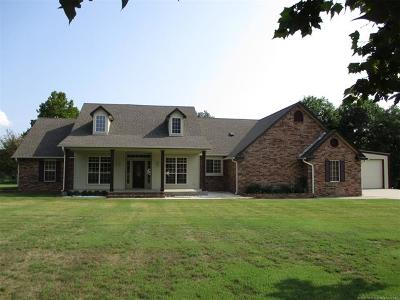 Stigler Single Family Home For Sale: 151 Mainsail Road