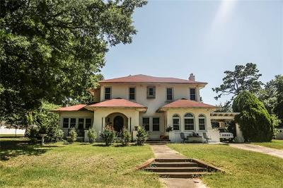 Okmulgee Single Family Home For Sale: 1524 E 7th Street