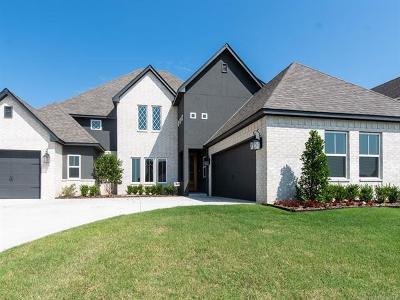 Tulsa Single Family Home For Sale: 8729 S Phoenix Place
