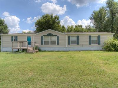 Manufactured Home For Sale: 402 W 7th Street