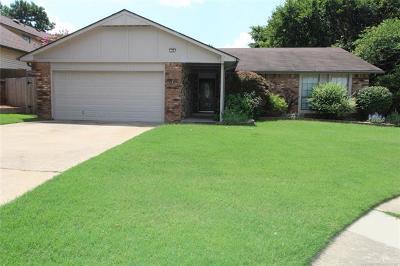 Owasso Single Family Home For Sale: 106 E 22nd Court