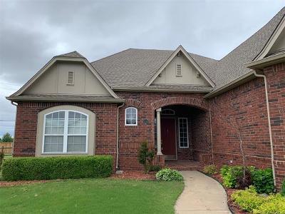 Broken Arrow Single Family Home For Sale: 4300 N Walnut Avenue