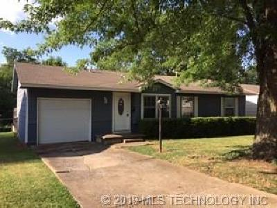 Sand Springs Single Family Home For Sale: 101 W 34th Place
