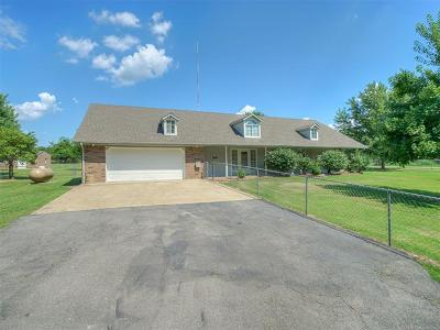 Sand Springs Single Family Home For Sale: 2571 N Briarcliff Road
