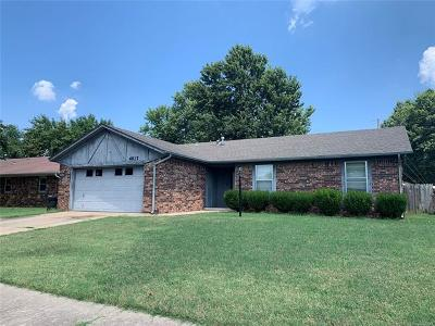 Sand Springs Single Family Home For Sale: 4917 Nassau Circle