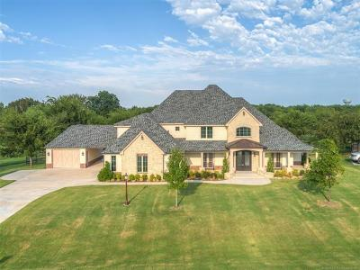 Owasso Single Family Home For Sale: 6321 N Wildwood Lane