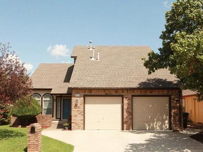 Tulsa Single Family Home For Sale: 6311 S 90th East Place