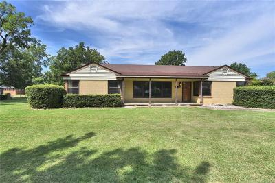 Claremore Single Family Home For Sale: 1111 N Dorothy Avenue