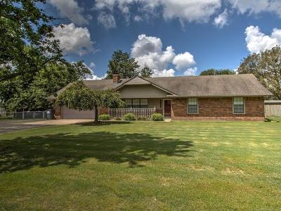 Okmulgee County Single Family Home For Sale: 15130 N 251 Road