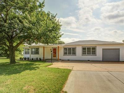 Single Family Home For Sale: 4606 E 14th Place