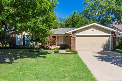 Single Family Home For Sale: 7931 S 85th East Avenue