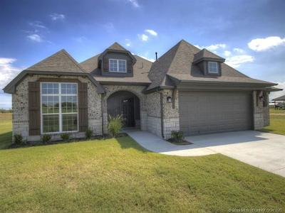 Collinsville Single Family Home For Sale: 13515 N 59th East Place